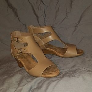 Taupe / tan wedge sandals size 6 like new